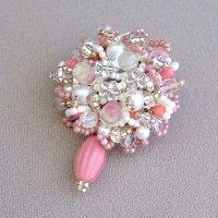 小花のブーケブローチ
